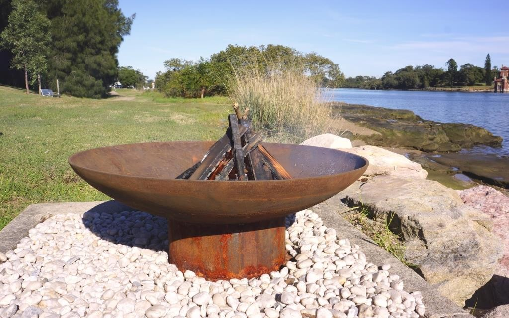 The Cauldron - 800mm + Free Stainless Steel Cooking Grill or Fire Pit Lid